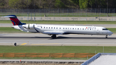 A picture of N824SK - Mitsubishi CRJ900LR - Delta Air Lines - © Jeremy D. Dando