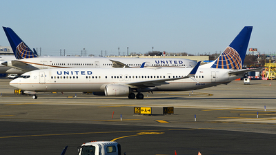 A picture of N38446 - Boeing 737924(ER) - United Airlines - © Rocky Wang