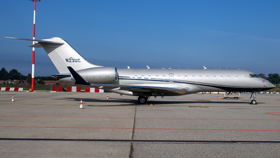 N23UC - Bombardier BD-700-1A10 Global Express - Private
