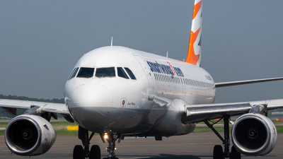 YR-SEA - Airbus A320-231 - SmartWings (Star East Airlines)