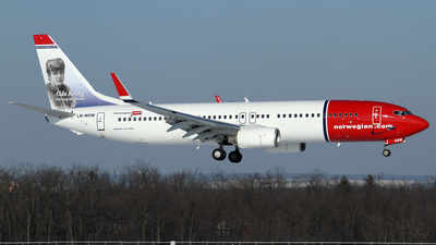 LN-NOW - Boeing 737-8JP - Norwegian