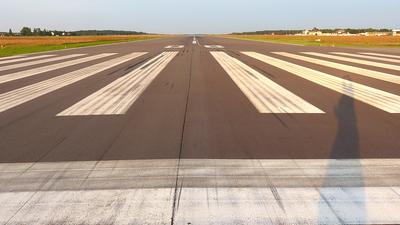 EDVE - Airport - Runway