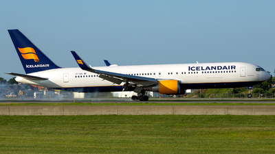 TF-ISN - Boeing 767-319(ER) - Icelandair