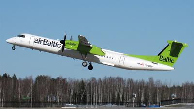 A picture of YLBBV - De Havilland Canada Dash 8400 - Air Baltic - © Alexandr Dorotko
