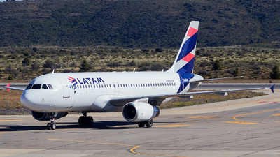 LV-BRA - Airbus A320-233 - LATAM Airlines
