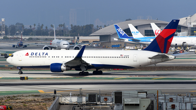 A picture of N1201P - Boeing 767332(ER) - Delta Air Lines - © Rocky Wang