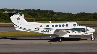 A picture of N740PC - Beech 300 Super King Air - [FA78] - © PeachAir
