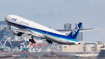 JA752A - Boeing 777-381 - All Nippon Airways (ANA)