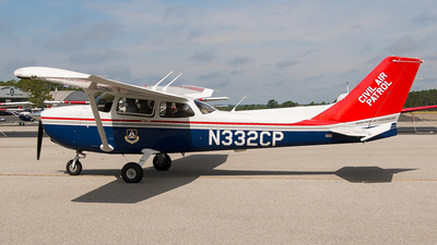 A picture of N332CP - Cessna 172S Skyhawk SP - Civil Air Patrol - © Ksavspotter