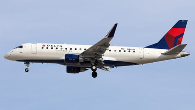 N261SY - Embraer 170-200LR - Delta Connection (SkyWest Airlines)