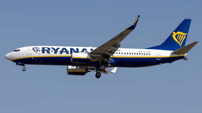 A picture of EIGXM - Boeing 7378AS - Ryanair - © Peter Tolnai