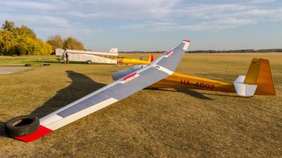 HA-4002 - Schleicher K-8B - Private