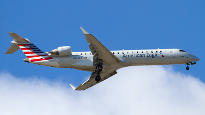 A picture of N526EA - Mitsubishi CRJ702ER - American Airlines - © Jeremy D. Dando