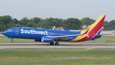 N8570W - Boeing 737-8H4 - Southwest Airlines