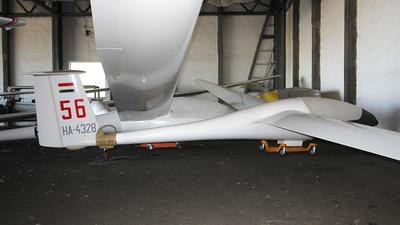HA-4328 - Schempp-Hirth Standard Cirrus - Private