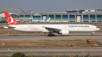 TC-JJF - Boeing 777-3F2ER - Turkish Airlines