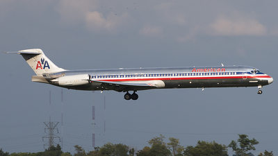 N9621A - McDonnell Douglas MD-83 - American Airlines