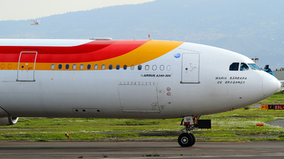 EC-IIH - Airbus A340-313X - Iberia