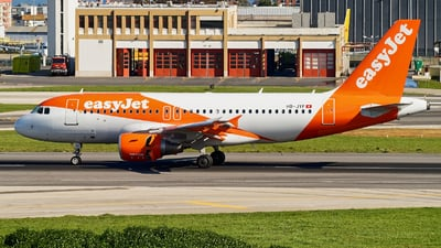 A picture of HBJYF - Airbus A319111 - easyJet - © JAMart