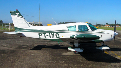 PT-IYQ - Piper PA-28-140 Cherokee F - Aero Club - Parana