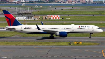 A picture of N721TW - Boeing 757231 - Delta Air Lines - © OCFLT_OMGcat