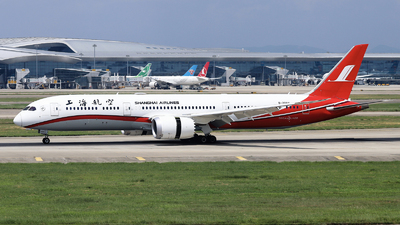 A picture of B208X - Boeing 7879 Dreamliner - Shanghai Airlines - © nibrage