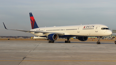 N584NW - Boeing 757-351 - Delta Air Lines