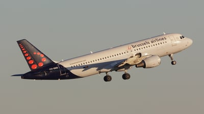 OO-SNG - Airbus A320-214 - Brussels Airlines