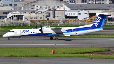 A picture of JA462A - De Havilland Canada Dash 8400 - All Nippon Airways - © H.Choby