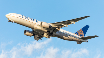 A picture of N226UA - Boeing 777222(ER) - United Airlines - © Andy Fonseca