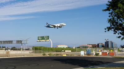 KSNA - Airport - Spotting Location