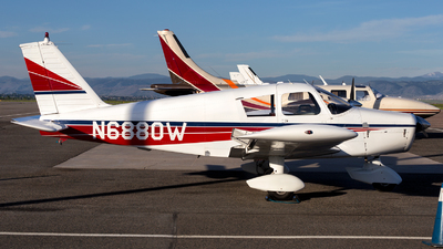 N6880W - Piper PA-28-140 Cherokee Cruiser - Private
