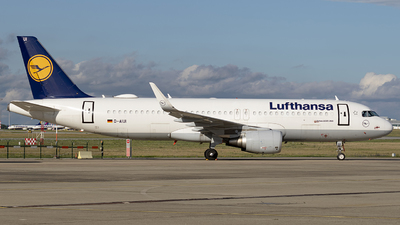A picture of DAIUI - Airbus A320214 - Lufthansa - © eriknorthman