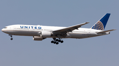 A picture of N776UA - Boeing 777222 - United Airlines - © Nestor Hung