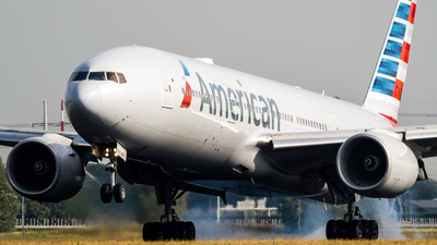N756AM - Boeing 777-223(ER) - American Airlines
