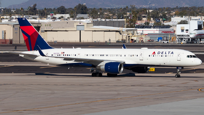 N821DX - Boeing 757-26D - Delta Air Lines