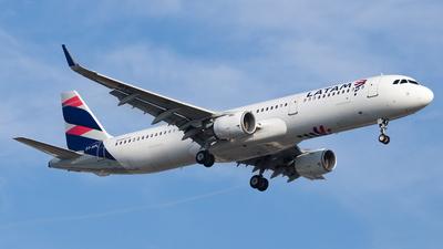 PT-XPL - Airbus A321-211 - LATAM Airlines