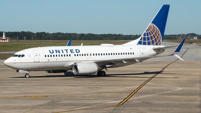N27734 - Boeing 737-724 - United Airlines