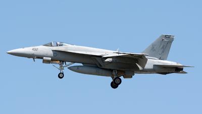 165862 - Boeing F/A-18E Super Hornet - United States - US Navy (USN)