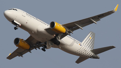 EC-MDZ - Airbus A320-232 - Vueling Airlines