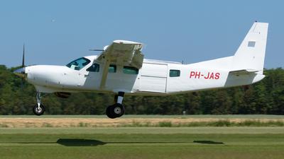 A picture of PHJAS - Cessna 208 Caravan I - [20800226] - © Jesse Vervoort