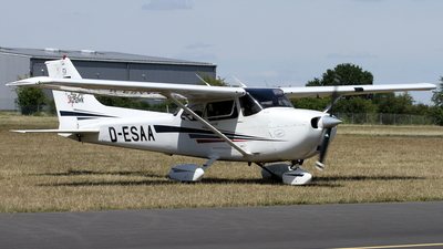 D-ESAA - Cessna 172S Skyhawk SP - Private
