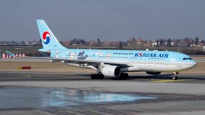 HL8227 - Airbus A330-223 - Korean Air