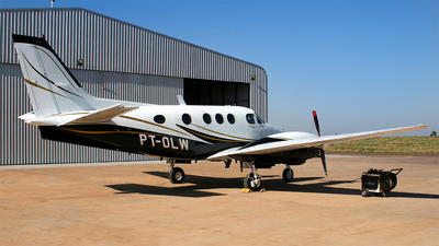 PT-OLW - Beechcraft C90 King Air - Private