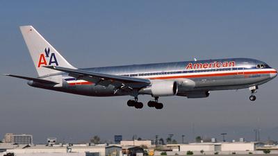 N307AA - Boeing 767-223 - American Airlines