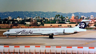 N933AS - McDonnell Douglas MD-83 - Alaska Airlines