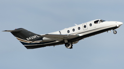 A picture of N420FL - Hawker Beechcraft 400XP - Flight options - © SpotterPowwwiii