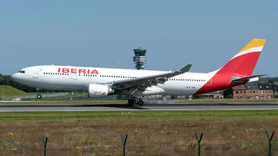 A picture of ECMMG - Airbus A330202 - Iberia - © Sebastian Thiel