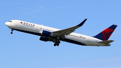 N156DL - Boeing 767-3P6(ER) - Delta Air Lines