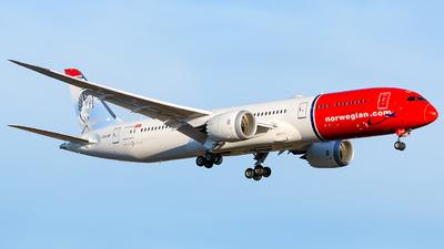 A picture of LNLNP - Boeing 7879 Dreamliner - [63310] - © Laszlo Fekete